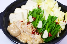 国産豚生ホルモン鍋(しょうゆ味)